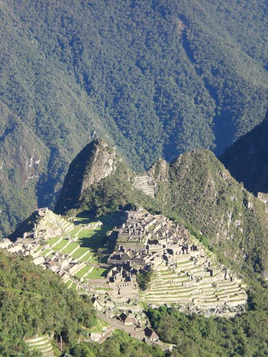 Places to visit in Peru: Machu Picchu - view from the Inti Punku