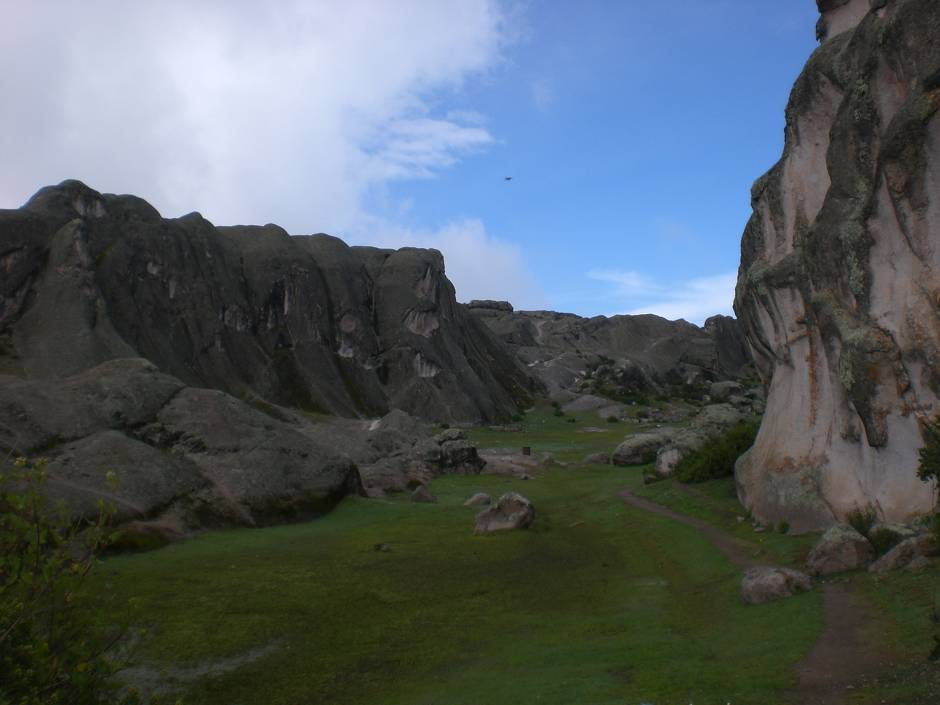 Hiking Marcahuasi should definitely be listed among the things to do in Peru: the anfitheatre