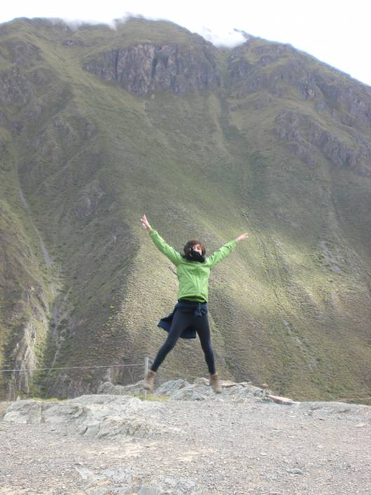 Jumping around the Sacred Valley - Ollantaytambo