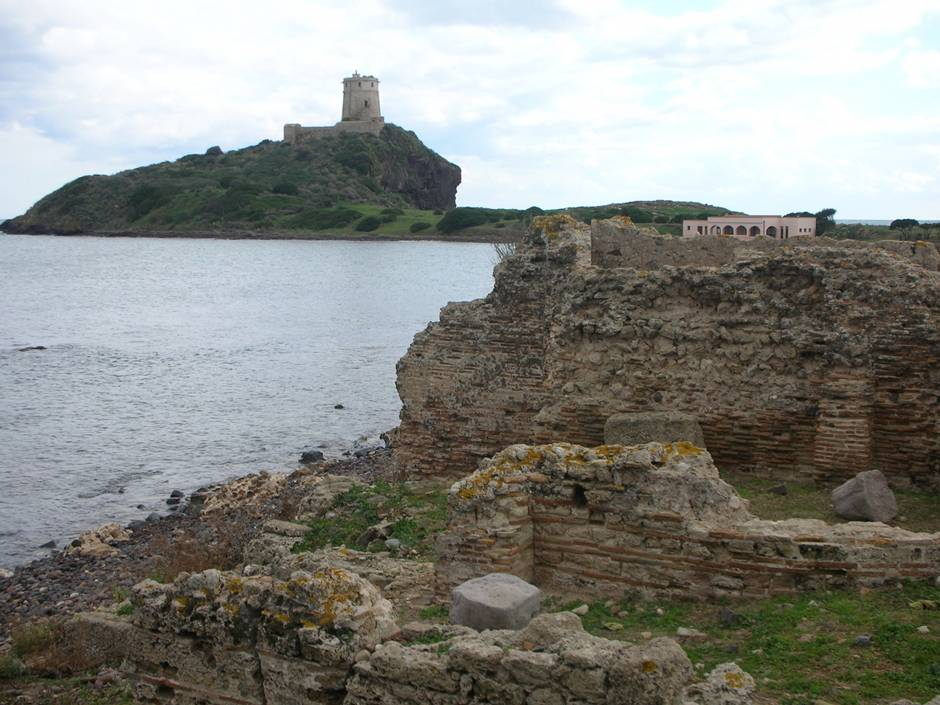 Where to go in Sardinia: Roman ruins and lighthouse in Nora