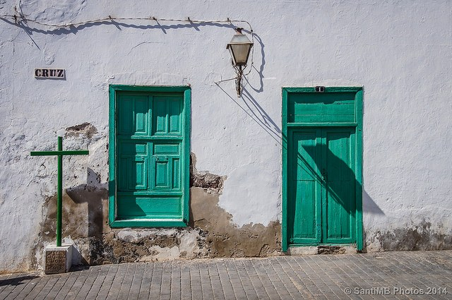 Teguise appears to be just the kind of place I enjoy exploring - photo courtesy of SantiMB.Photos (flickr)